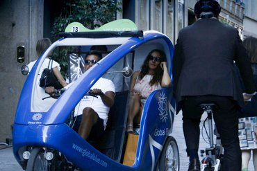 Shopping Tour by Rickshaw VeloLeo