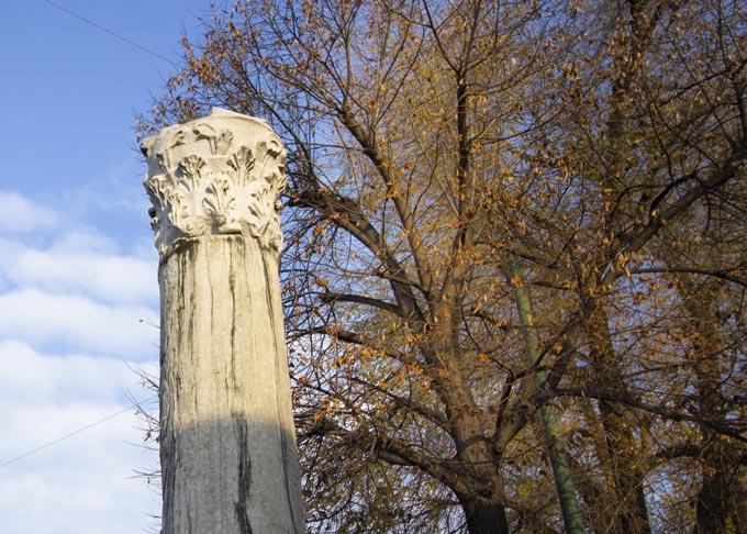 Sant'Ambrogio Basilic - Column